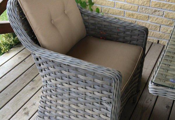 Lauko baldai, klasika, pinti ratano baldai, terasos lauko baldai, foteliai, pietu stalas