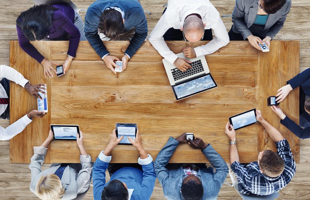 Interneto zala, kompiuteris, priklausomybe nuo kompiuterio, laisvalaikis lauke