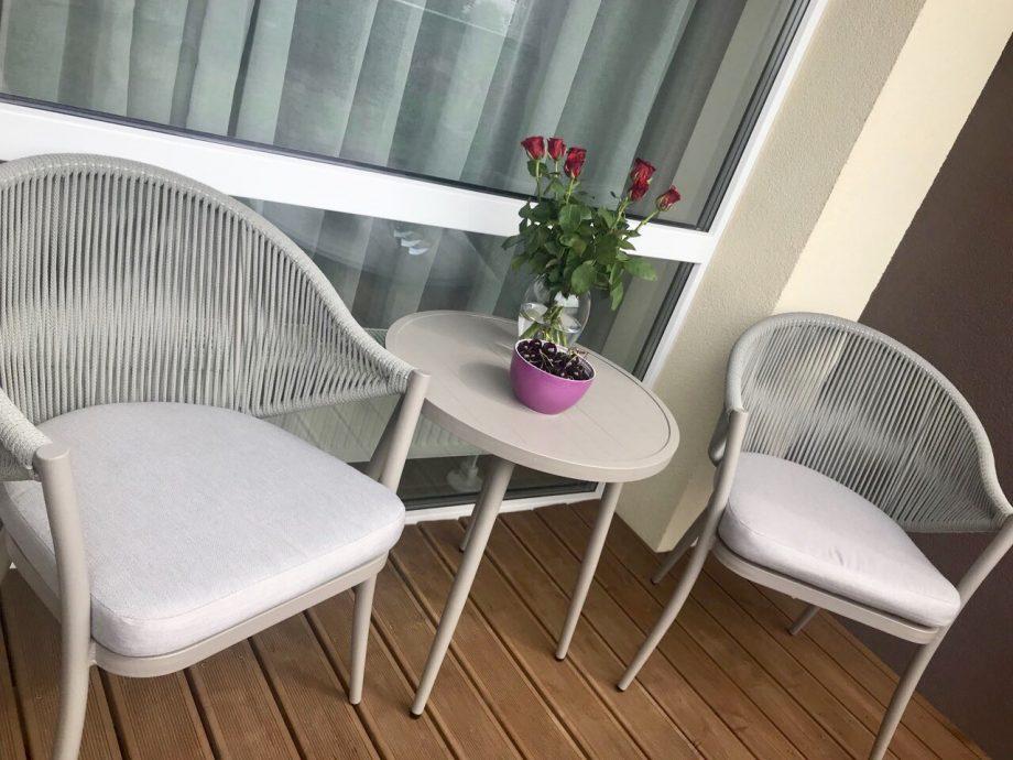 Balkono baldai, balkono dekoras