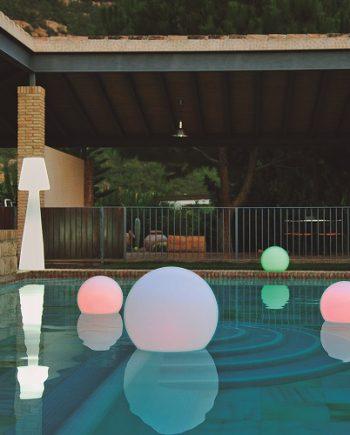 plaukiojantis sviestuvas, terasos dekoracija, baseino sviestuvas